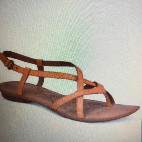 28d1076fb81c Born Mai Flat Sandals